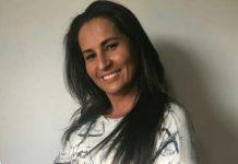 Professora Alessandra é a voz dos direitos democráticos dos águas lindense